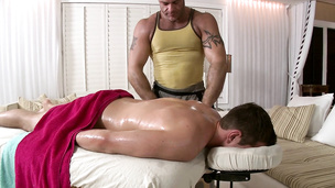Oily butt buddies drill each other on the massage table