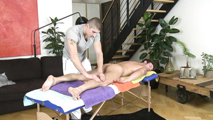 Naughty hunks have steamy fuck session on the massage table