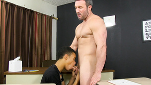 Deviant Brock Landon is amazed with Robbie Anthony's big dong