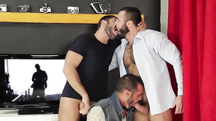 Feeding the dude's ass in a sweet and nasty threesome