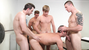 Orgy that is getting freaky with every cock suck session