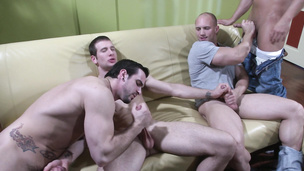 Orgy with dudes who are only into ass and cocks