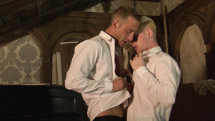 Lusty twinks Andro Maas and Jonny Kingdom have passionate sex