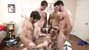 Orgy that makes all the guys cum in a second