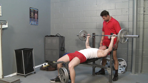 Sucking his cock as the weights get lifted gay style